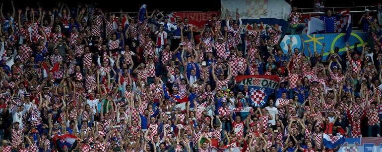 Euro 2016 Tops Flops Turquie Croatie le Parc des Princes en feu Turan sombre